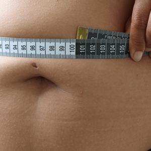 Middelomtrek meten - Wat is een gezonde buikomtrek?